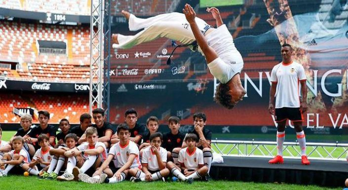 capoeira nani valencia con prof thiaguinho