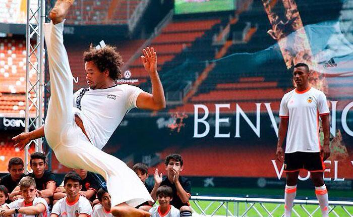 capoeira nani valencia thiaguinho
