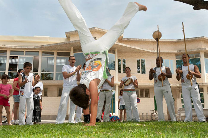 clases capoeira picassent